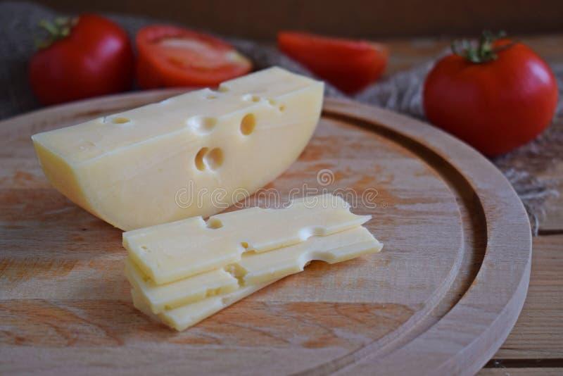 Kawałek ser i pomidory obraz royalty free