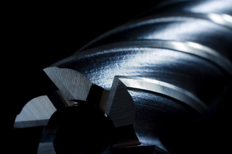 kawałki metalu musztry mill.