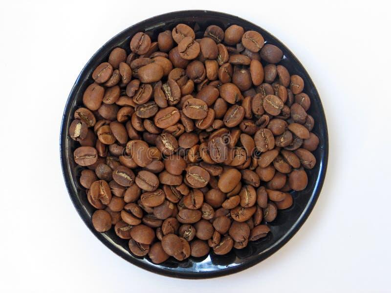 kawa, fasoli tła walcowane white fotografia stock