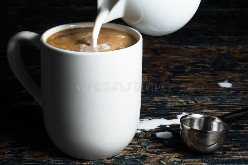 Kawa i śmietanka obrazy stock