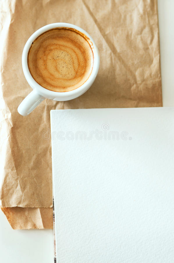 Kawa i notepad zdjęcia stock
