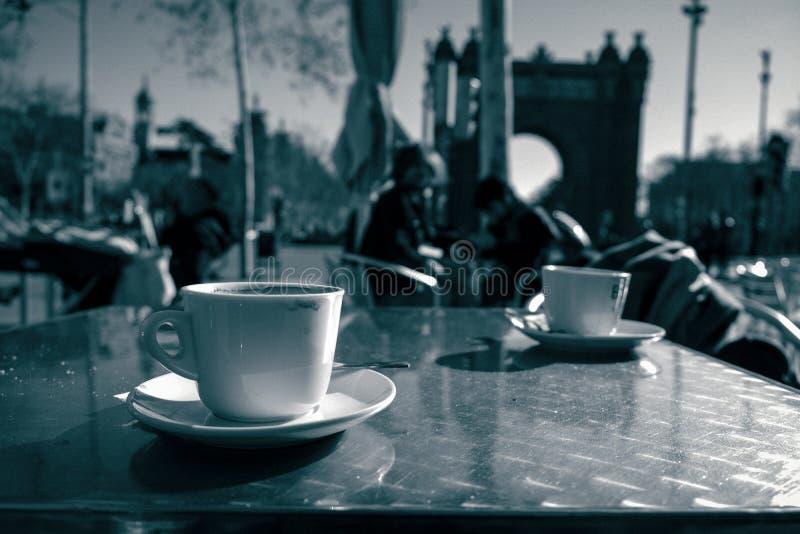 Kawa przy łukiem Triumph, Barcelona obraz royalty free