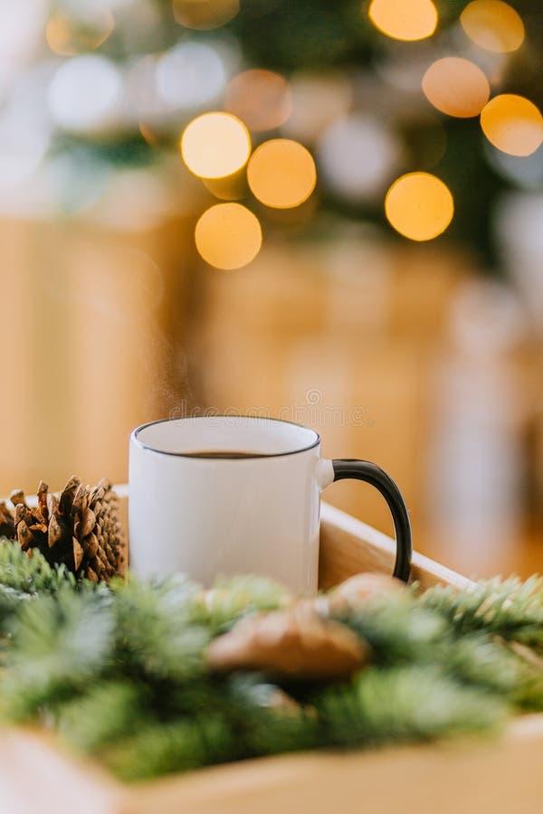 Kawa w białej filiżance zdjęcie stock