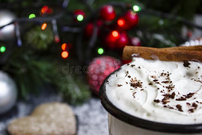 Kawa z śmietanką wokoło i marshmallow obrazy royalty free