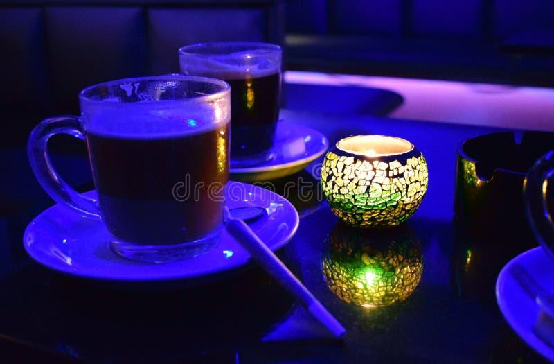 Kawa z blant w coffeeshop obraz stock