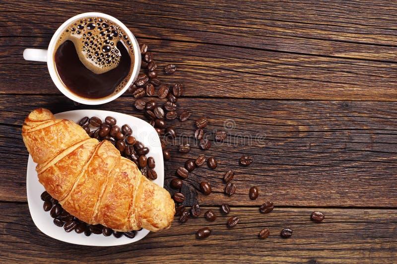 Kawa z croissant fotografia stock