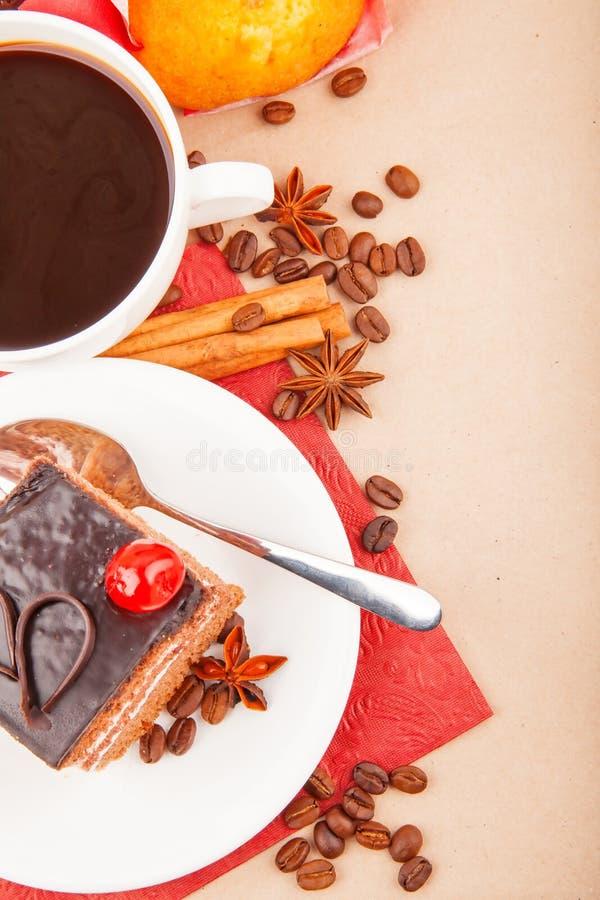 Kawa z pikantność i tortem zdjęcie stock