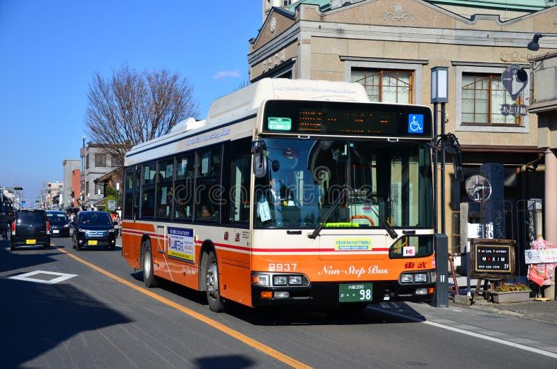 KAWAGOE, JAPÓN - OCTUBRE DE 2016: El autobús de Tobu Koedo fotos de archivo