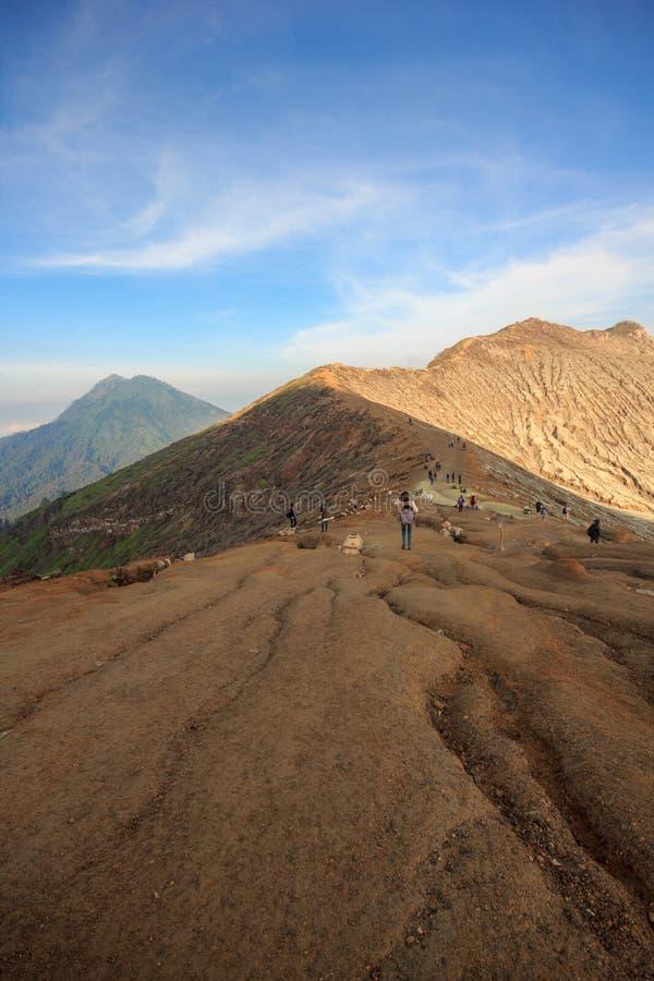 Kawah伊真火山火山,印度尼西亚火山口  免版税库存照片
