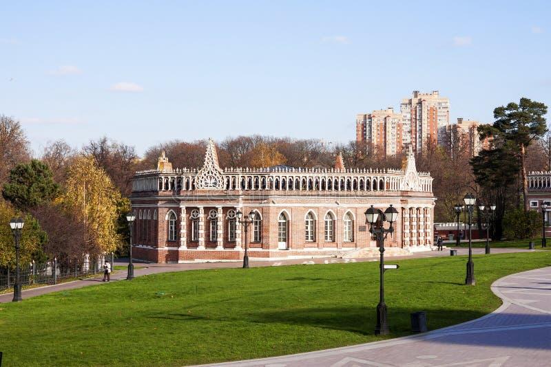 """Kawaleria budynku â """"– 2, w stanie, sztuce i krajobraz rezerwie Tsaritsyno dziejowym, architektonicznym, W Moskwa obraz royalty free"""