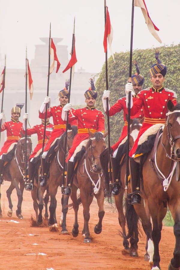 Kawaleria jedzie out od prezydentów pałac obrazy royalty free