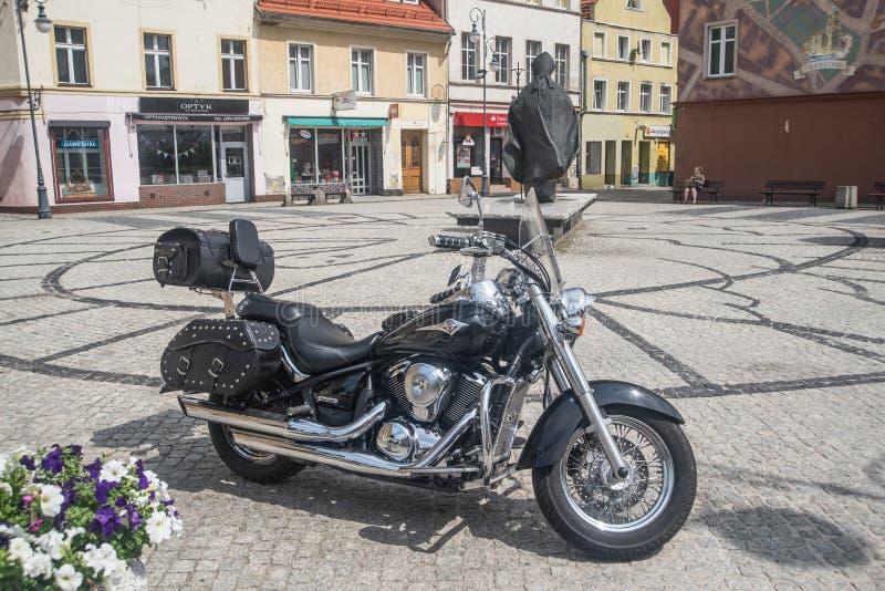 Kawasaki-Motorrad geparkt stockfotos