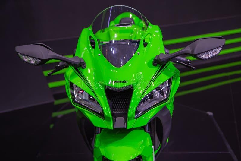 Kawasaki Ninja ZX10RR fotografering för bildbyråer
