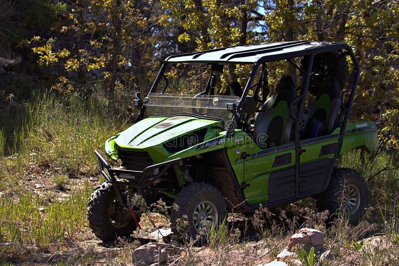 Kawasaki Teryx 4 ging ik berijdend met in noordelijk Arizona uit stock foto