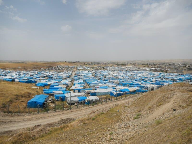22 05 2017, Kawergosk, Ирак : Переполнятьый лагерь беженцев в Ираке с беженцами исчезая от или исламское государство стоковые изображения