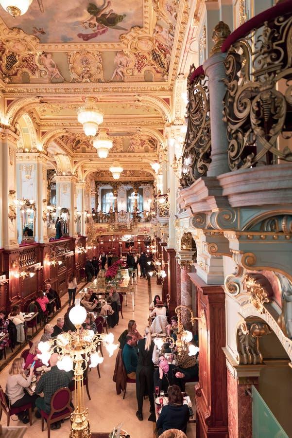 Kawiarnia nowojorska - Budapeszt, Węgry obrazy royalty free