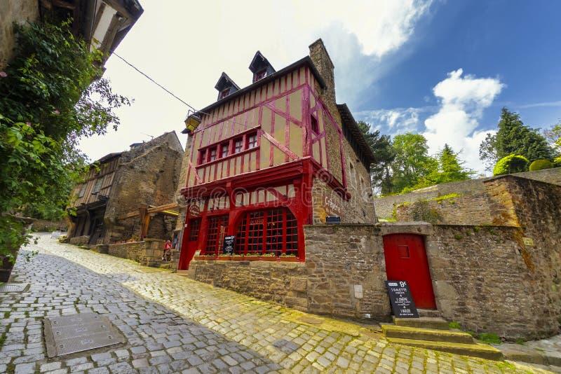 Kawiarnia w Dinan w Brittany, północny zachód Francja obrazy stock