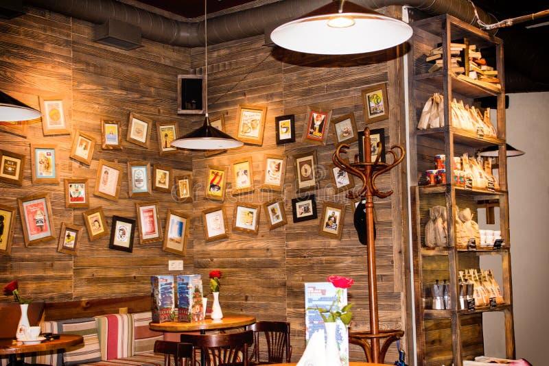 Kawiarnia w rocznika stylu Lvov, Ukraina zdjęcia royalty free