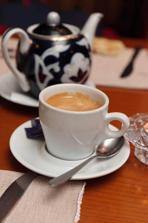 Download Kawowa herbata obraz stock. Obraz złożonej z kawa, restauracja - 13333407