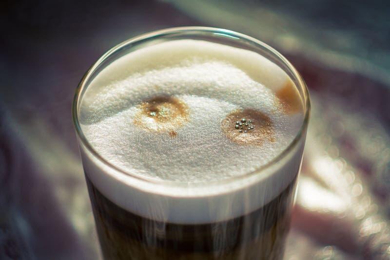 Kawowa latte macchiato filiżanka obrazy royalty free