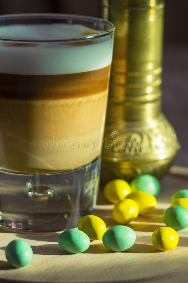 Kawowa latte macchiato filiżanka zdjęcia stock