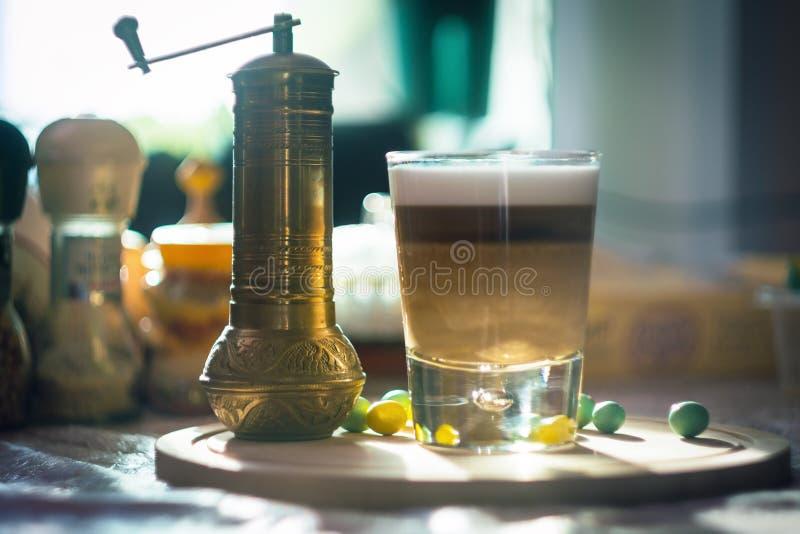 Kawowa latte macchiato filiżanka obraz royalty free