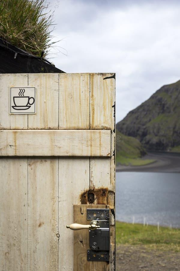 Kawowa przerwa w Saksun, Faroe wyspy obraz royalty free