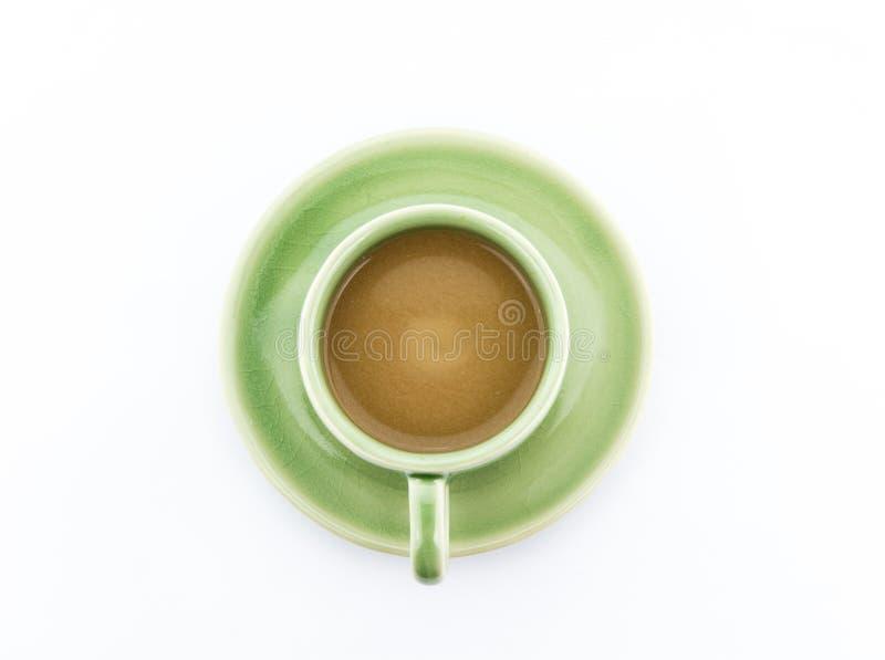 Kawowy cappuccino w zielonej filiżance na bielu obrazy royalty free