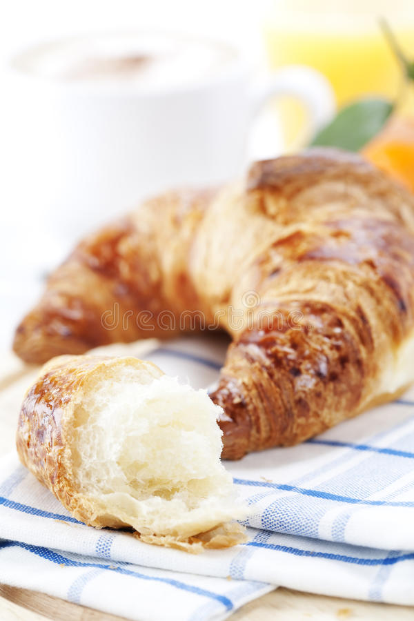 kawowy croissant zdjęcie royalty free