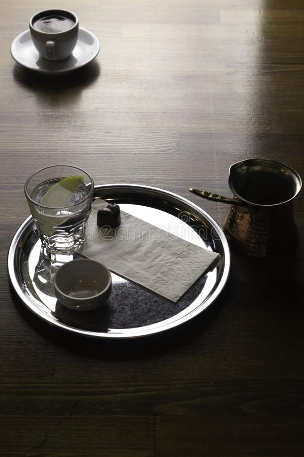 kawowy garnek z czekoladą i filiżanka kawy obrazy royalty free