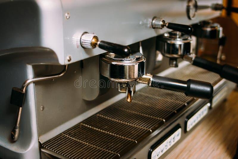 Kawowy maszynowy restauracja baru wyposażenia piwowar zdjęcia stock