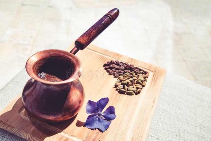 Kawowy turek, kwiat, kaw ziarna obraz royalty free