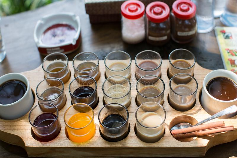 Kawowy wybór na kawowym gospodarstwie rolnym na Bali obrazy stock