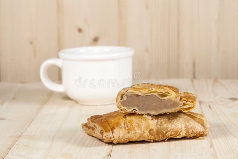 Download Kawy i koksu chuch zdjęcie stock. Obraz złożonej z cięcie - 53783106