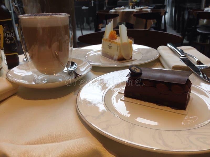 Kawy i torta czas fotografia stock