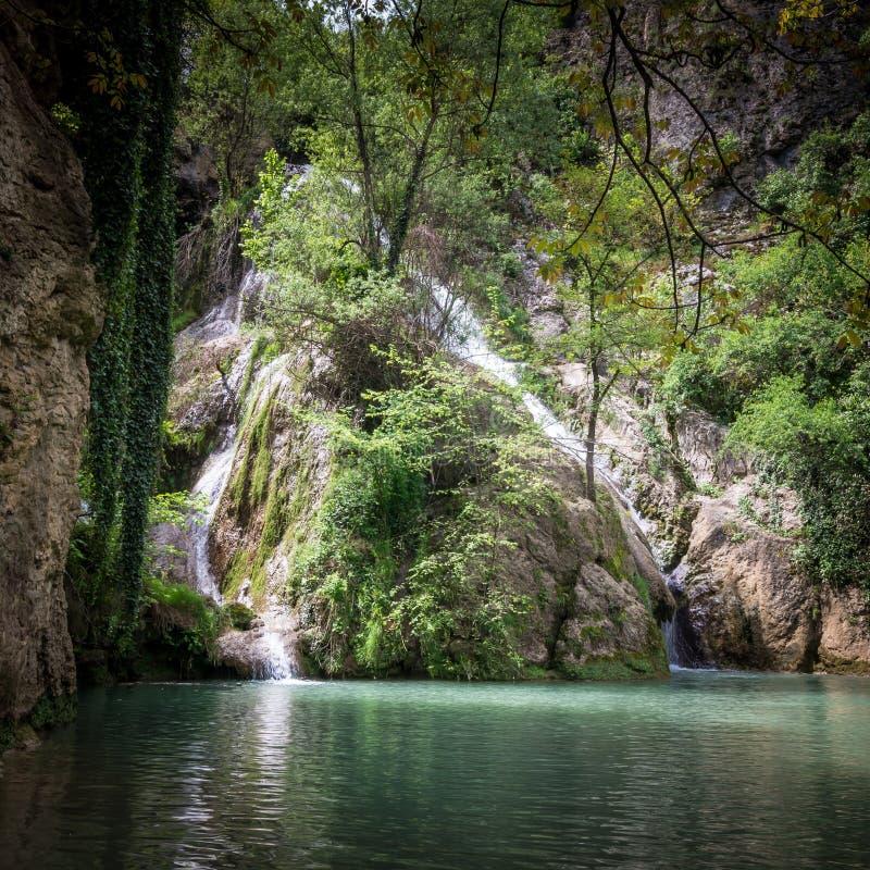 Kaya Bunar Waterfall, Bulgarie images libres de droits
