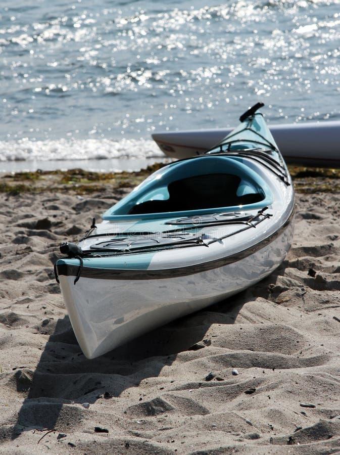 kayak пляжа стоковое изображение rf