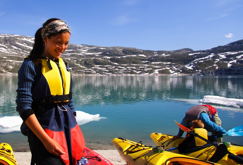 Kayak au lac de glacier image libre de droits
