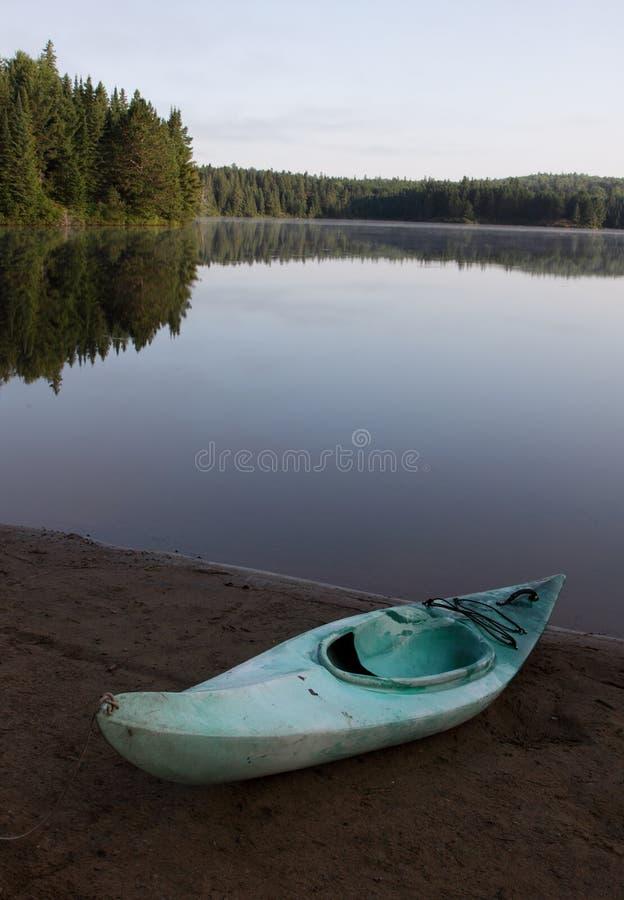 Kayak de lac Pog image libre de droits