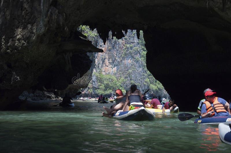 Kayak fahrende Exkursion stockbild