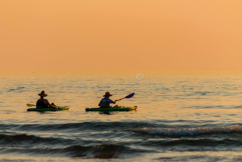 Kayak sul lago immagine stock
