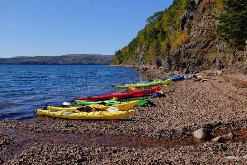 Kayak sull'isola del Capo Bretone immagini stock libere da diritti