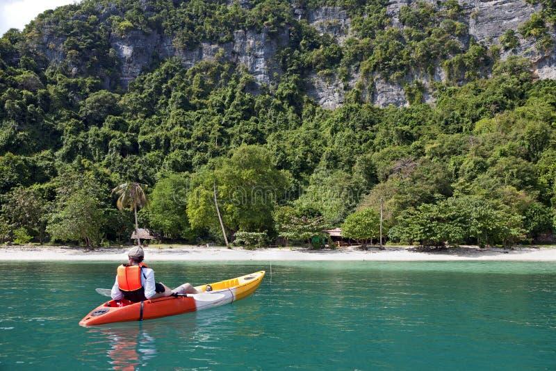 Kayaker di distensione fotografia stock