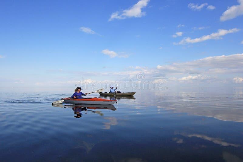 Kayakers в национальном парке Biscayne, Флориде стоковое изображение