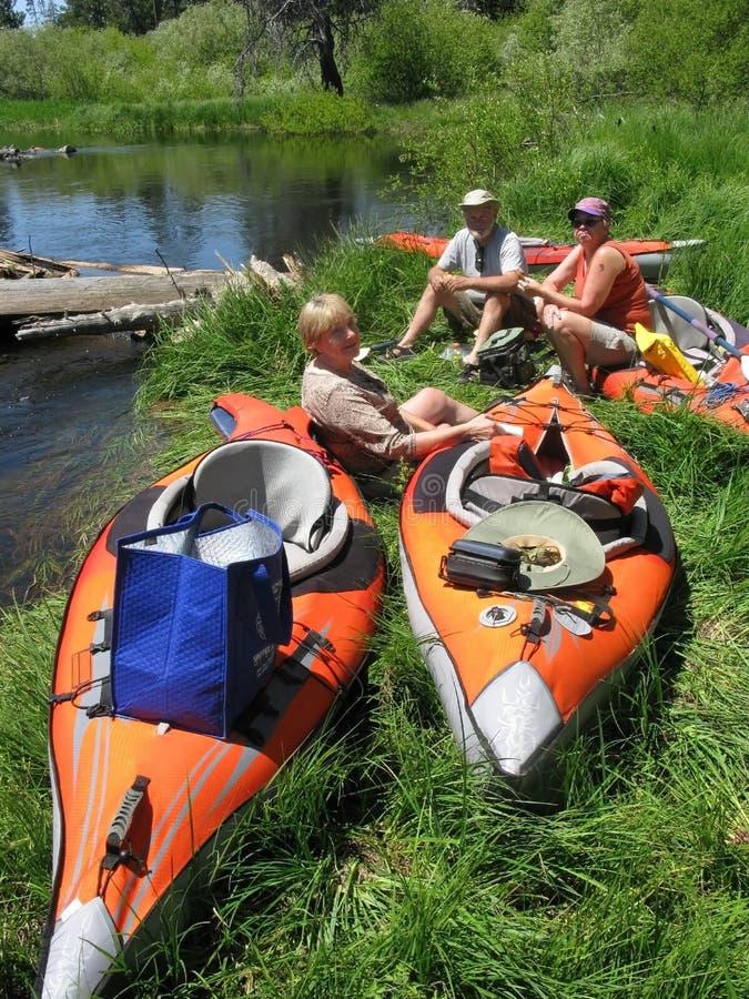 kayakers odpoczynek obraz stock