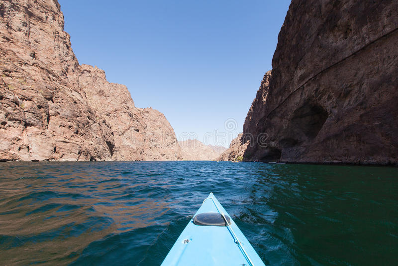 kayaking λίμνη στοκ εικόνες