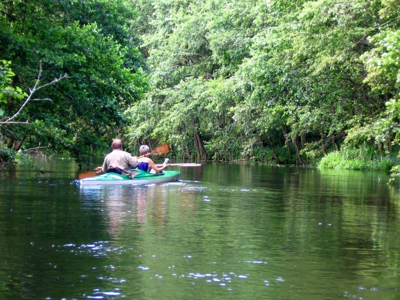 kayaking arkivfoton