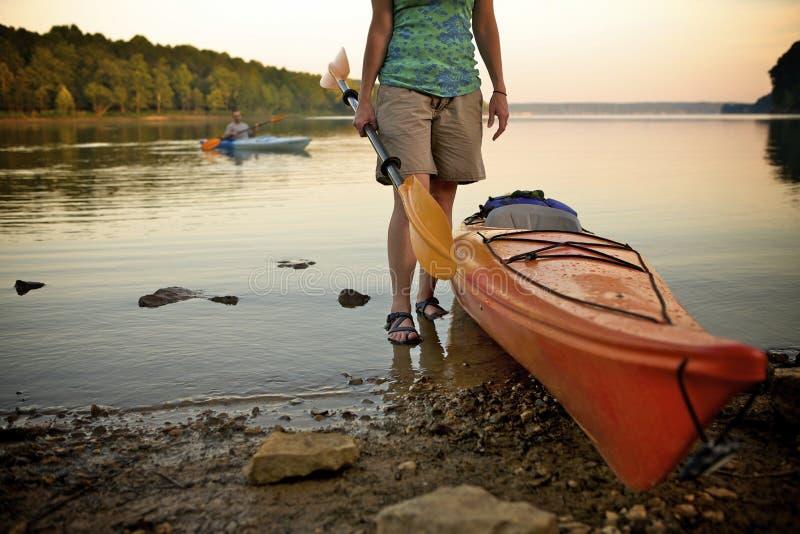 Kayaking bij Meer Monroe in Bloomington, BINNEN stock afbeeldingen
