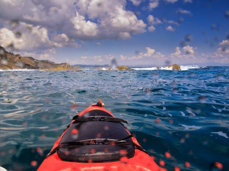 Kayaking in Byron Baai Australië royalty-vrije stock foto's