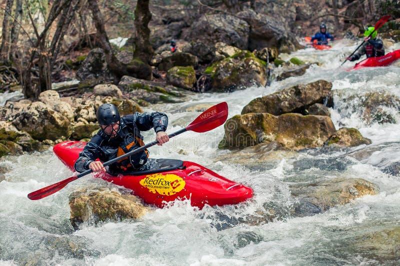 Kayaking extrême photo stock